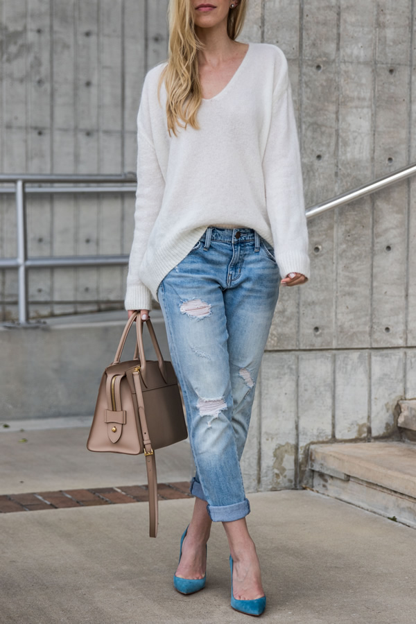 bequemes Pullover Boyfriend Jeans Outfit